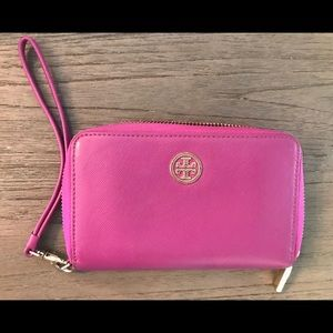 Tory Burch Safiano Continental Wallet / Wristlet